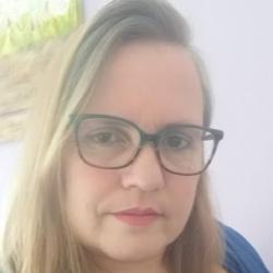 Ana Claudia Manzzon